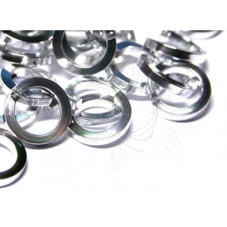 50 ks 6,6/1,2 stříbrné lesklé kroužky z hranatého
